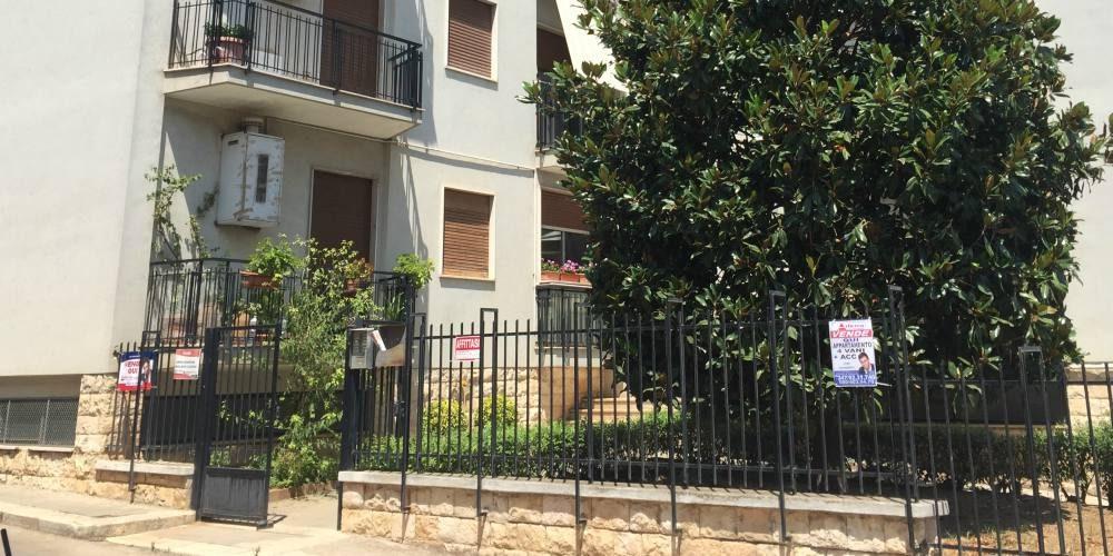 Appartamento quadrivani, via Azezio, Rutigliano