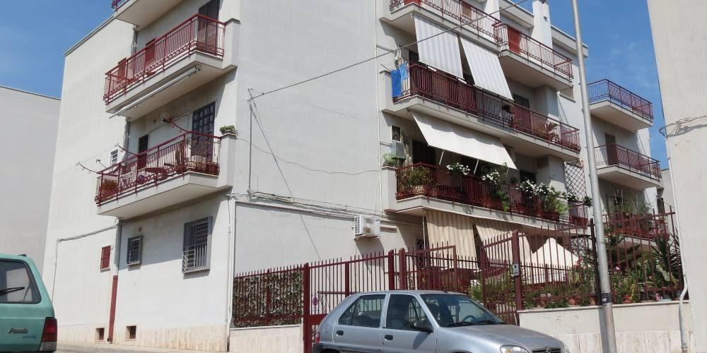 Appartamento di 3 vani con box auto, in via Aquileia, Rutigliano (Bari)