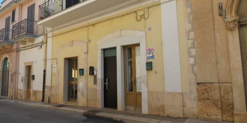 Appartamento bivani, al piano terra e indipendente, via Diaz, Rutigliano (Bari)