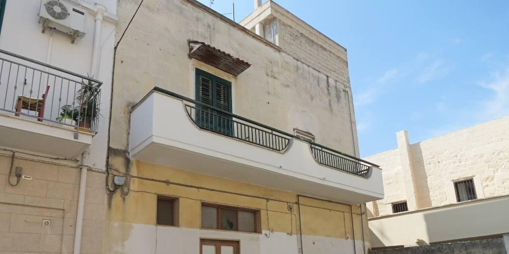 Casa indipendente in via San Domenico, Rutigliano (Ba)