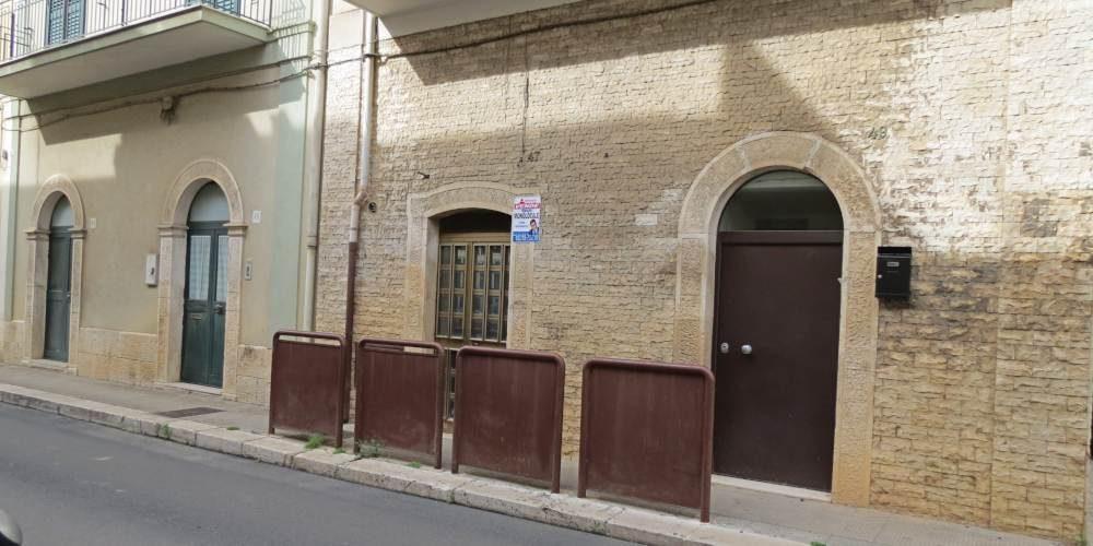 Monolocale al piano terra (uso deposito), via V. Chiaia, Rutigliano (Bari)